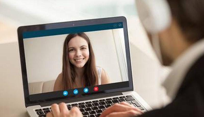 WEBカメラ・スマホ充電器なども無料で使えます!