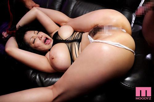 理性の吹き飛んだ芸能人と中出し性交 小向美奈子サンプル画像5