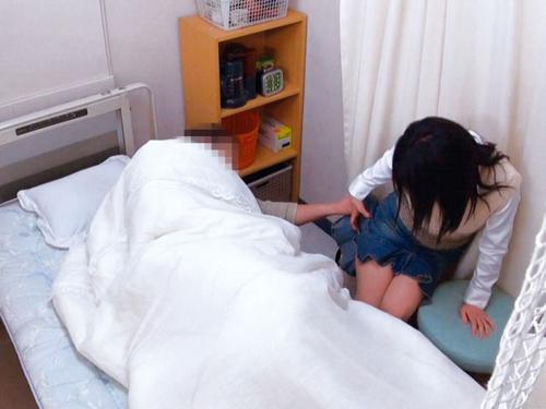 医院内寝取り工作 友人と共謀し妻を騙して猥褻行為を…DXサンプル画像2