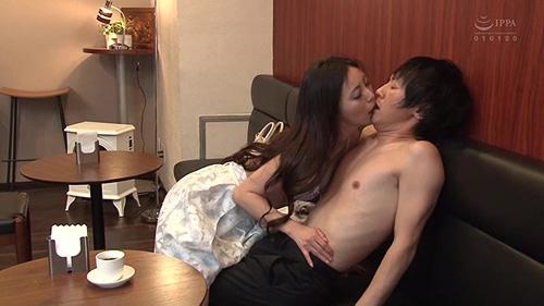 AV女優が一般男性に仕掛ける超ドッキリ!誘惑エロチューブ Vol.1サンプル画像5