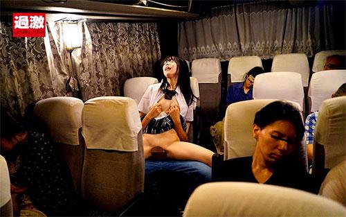 夜行バスで声も出せずイカされた隙に生ハメされた女はスローピストンの痺れる快感に理性を失い中出しも拒めない 女子○生限定2 腰振り発情SPサンプル画像6