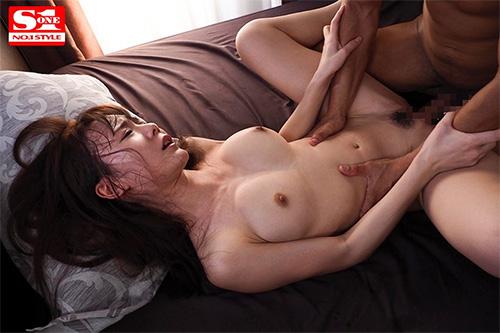 交わる体液、濃密セックス 坂道みるサンプル画像6