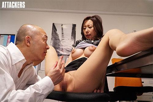 オフィスレディの湿ったパンスト 松下紗栄子サンプル画像4