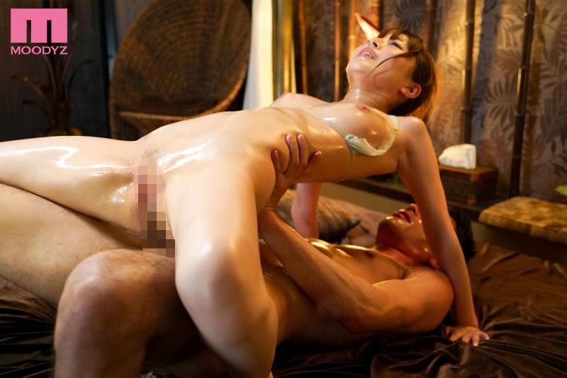 ビクビク痙攣が止まらない 性感開発オイルマッサージ 九重かんなサンプル画像1